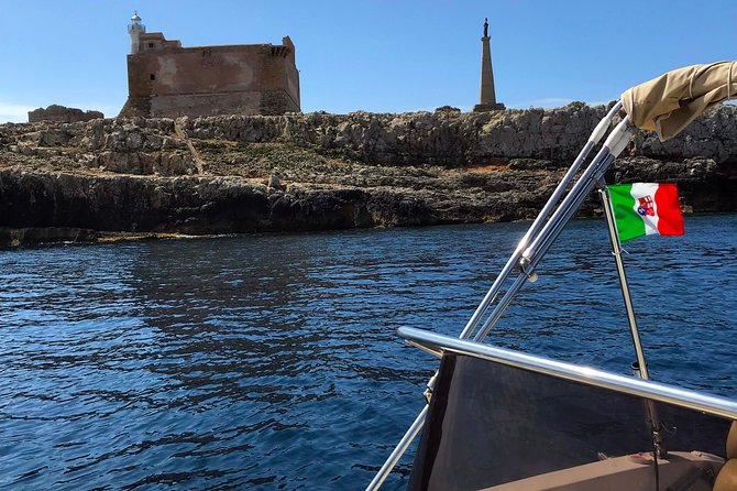 Sicily Boats - Guided tour of the coast by boat to Portopalo di Capo Passero