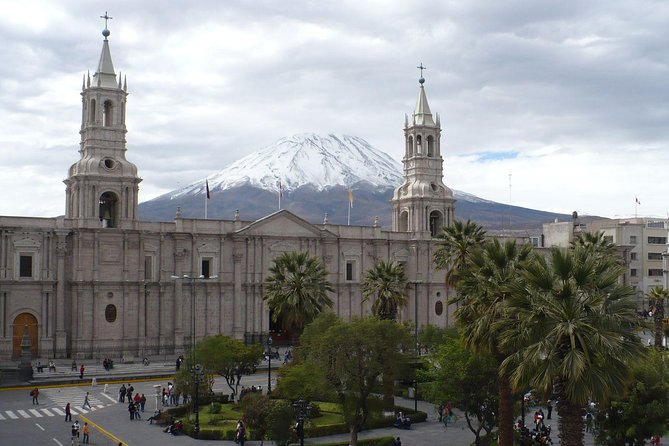 Afternoon: Arequipa Panoramic bus with entrances photo 12