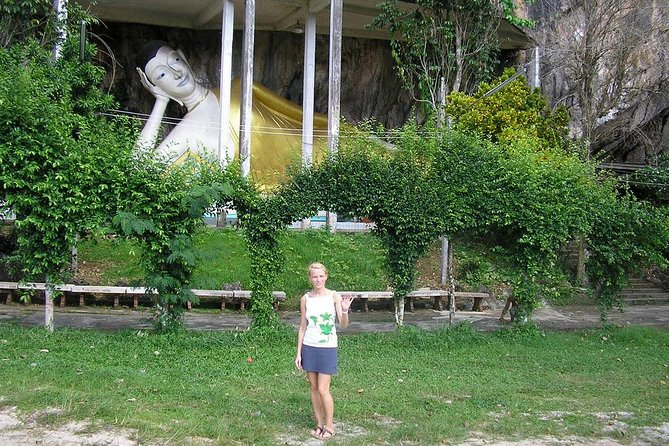 Krabi City Tour with Reclining Buddha, Tiger Cave Temple & Khao Khanab Nam