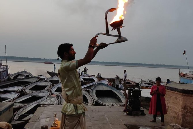 From Varanasi: Temples Tour with Markets and Evening Aarti