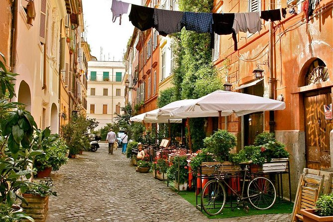 Withlocals Your Way! Personalised Bologna Private City Tour