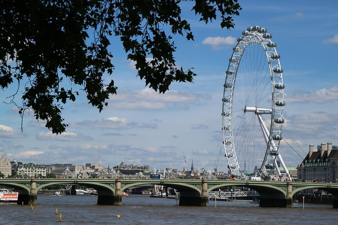 Discover London along the river photo 4