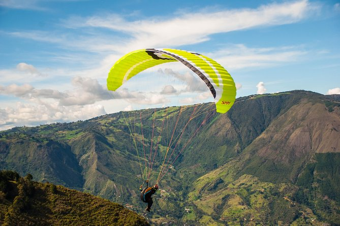 Paragliding flight in San Felix