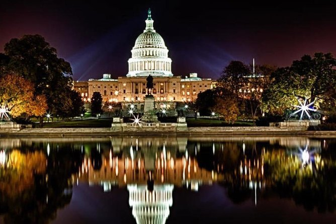 Washington DC Tour by Night with 9-14 Passengers