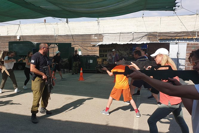 Learning basics from Israeli special forces.