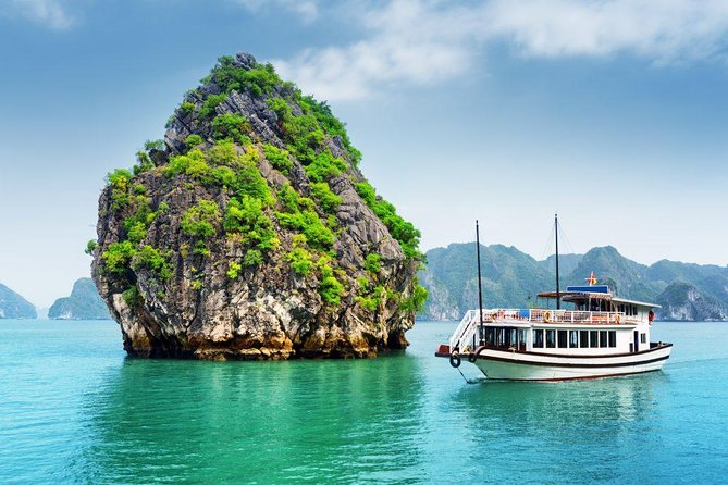 Halong luxury day trip & join small group with limousine transfer