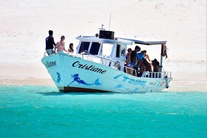 Passeio de Barco - Conheça Arraial do Cabo com a Cristiane Tour