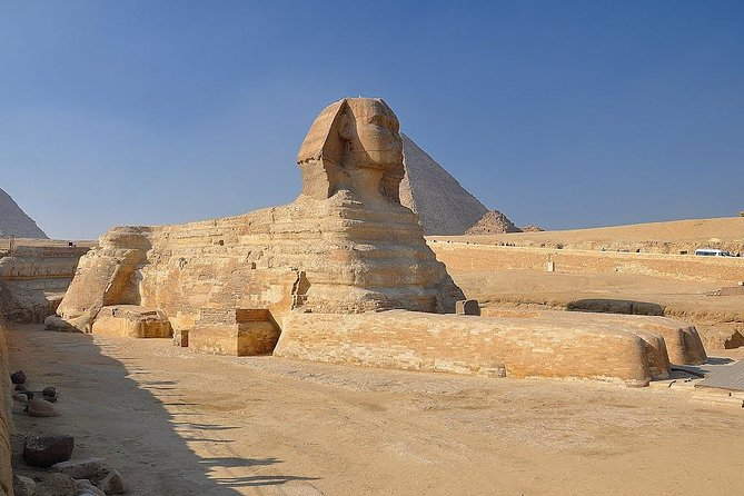 Private Tour of the Pyramids,Sphinx,Egyptian Museum,Bazaar,Lunch from Cairo