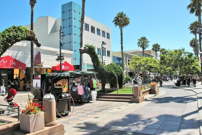 Private Transfer From Santa Monica Area To Los Angeles Airport (LAX).