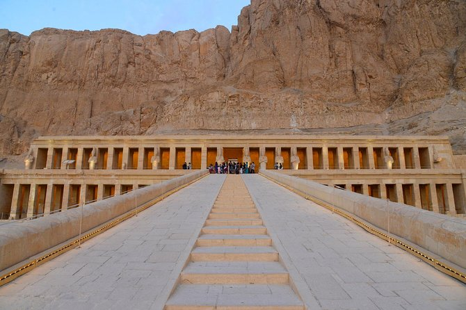 Private Day Tour: Sightseeing East and West Banks of Luxor