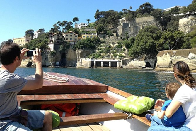 Private boat tour in the Gulf of Naples with skipper.