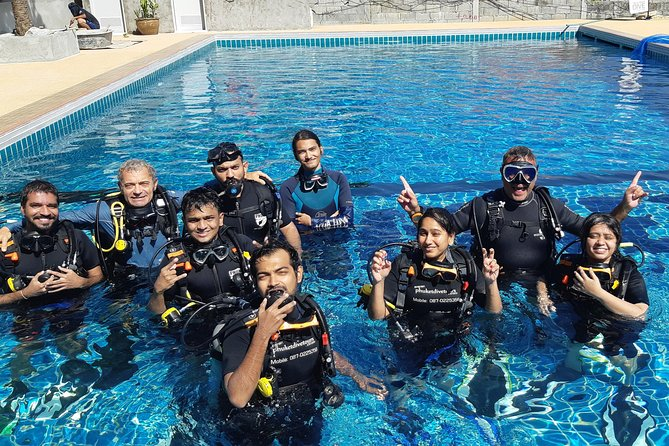 Scuba diving lesson for beginners (1 hour )