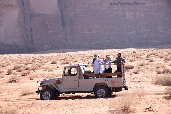 2 Day Jeep Tour at the Heart of Wadi Rum (All Meals incl.)