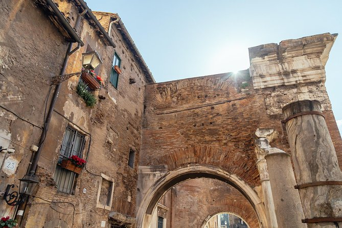 Historic Neighbourhoods: Jewish Quarter & Trastevere Private Tour photo 19