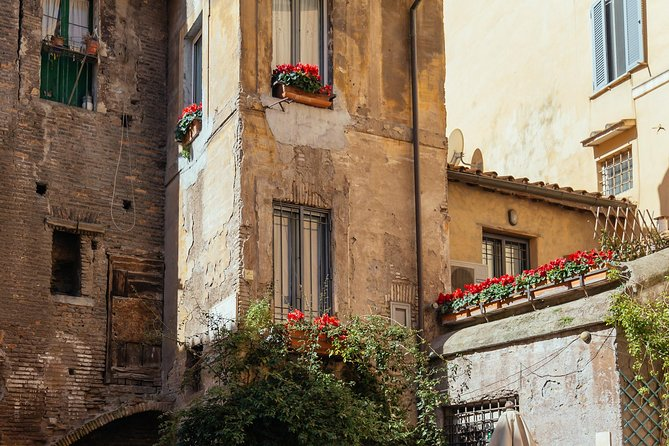 Historic Neighbourhoods: Jewish Quarter & Trastevere Private Tour photo 11