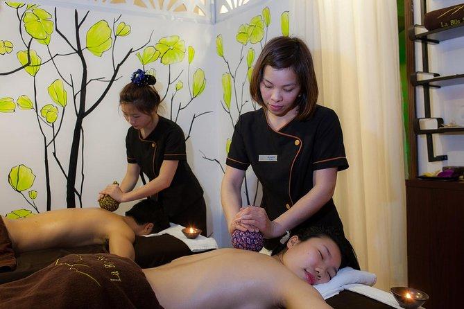 La Belle Signature Herbal Massage
