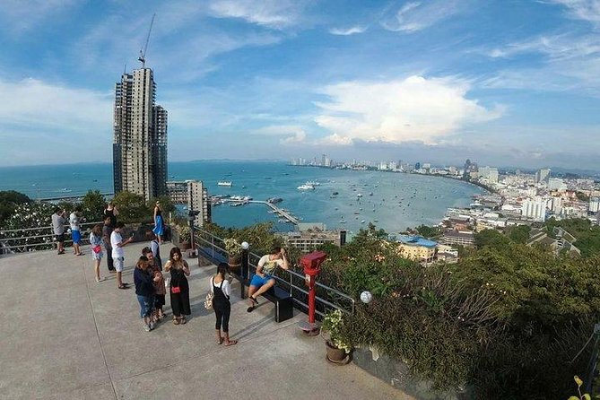 Selfie City & Temple Tours of Pattaya by Songthaew (Local Taxi of Pattaya)