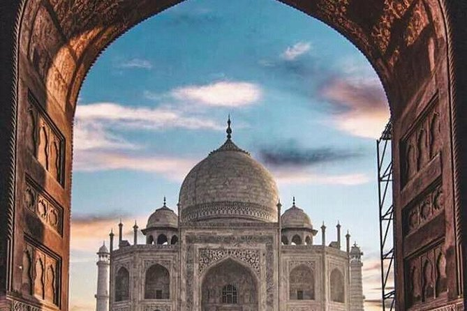 Full day Taj Mahal tour with Mughal Era cultural show