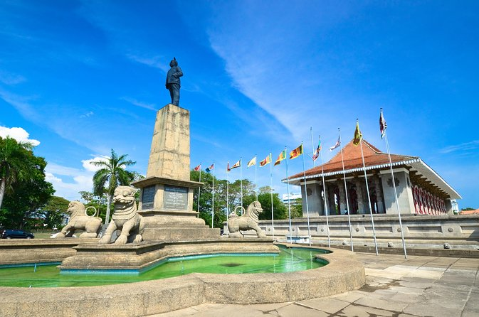 All-Inclusive Private Day Trip to Colombo with Lunch