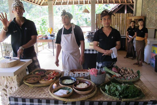 Bali Cooking Class with Culture Experience