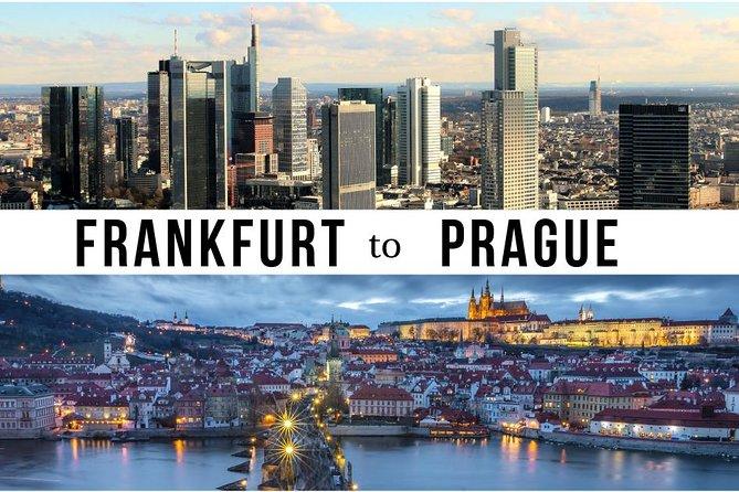 Traslado privativo de porta a porta de Frankfurt a Praga com 2 pontos turísticos
