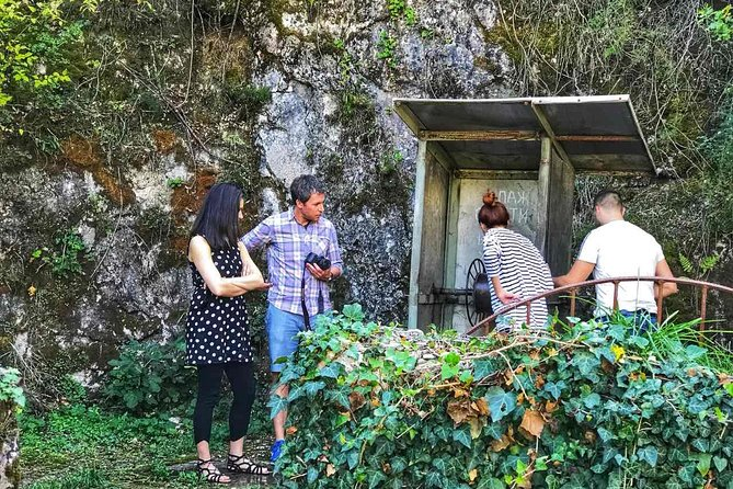 Wine and private tour for cruise passengers from Bar (Budva, Sv Stefan)