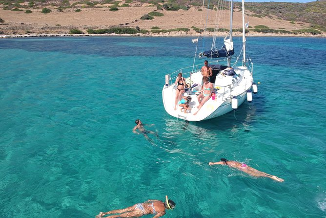 Private Daily Tour by Sailboat in the Asinara National Park.