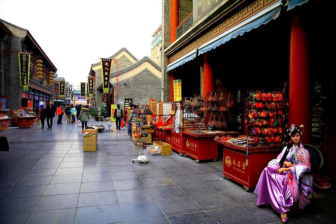 3-Hour Private Night Walking Tour of Luoyang Ancient Culture Street with Dinner