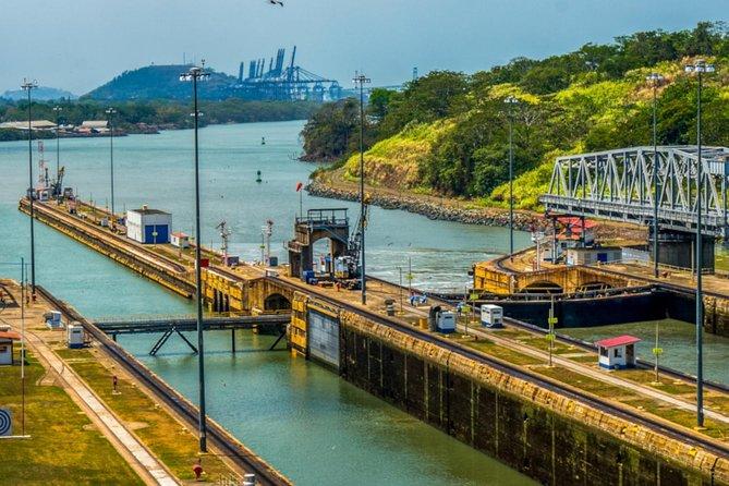 Beautiful Panama Canal Zone Tour