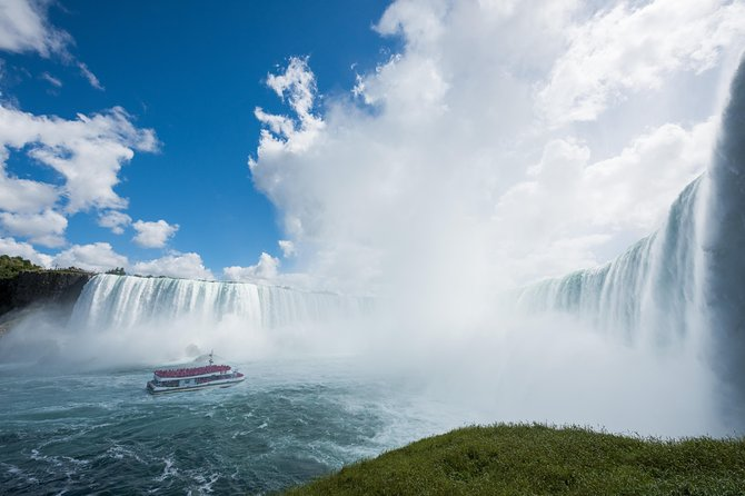 Niagara Falls Hop-On Hop-Off and Hornblower Boat Cruise