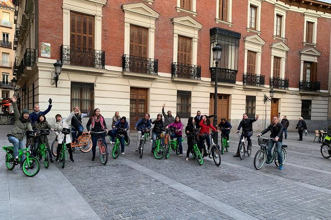 Madrid Fun and Sightseeing Bike tour 3 hours-Love Madrid