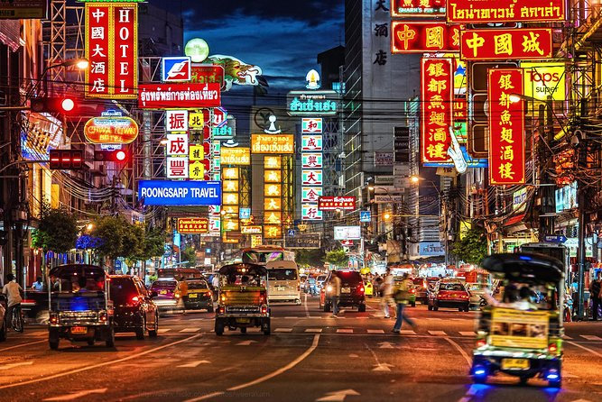 Explore Chinatown Street Food by Night