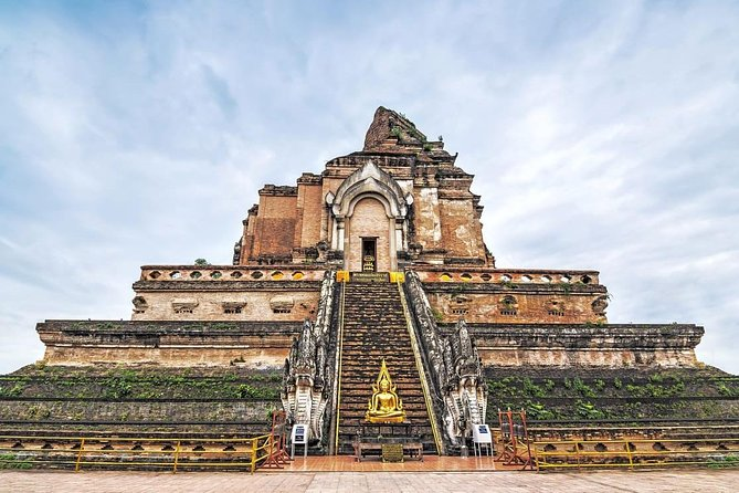 Chiang Mai Temples & City History Small Group Tour – Half Day