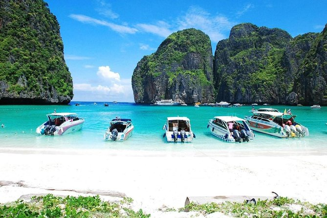 Phi Phi & Bamboo Island Speedboat Tour from Phuket – Full Day