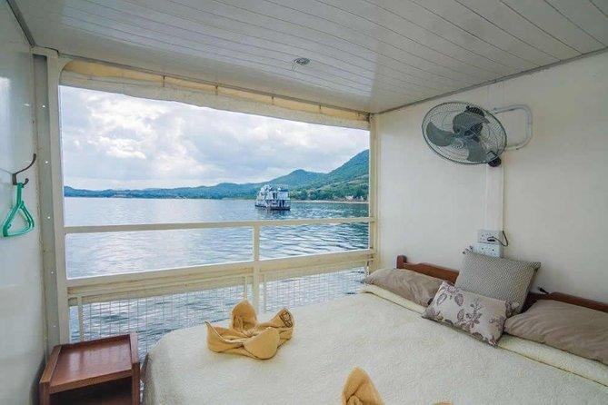 2 Nights Kariba House Boat Experience