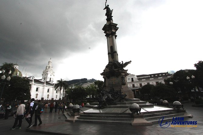 Quito Old District, Mitad del Mundo & Pululahua Crater Full-Day Tour photo 4