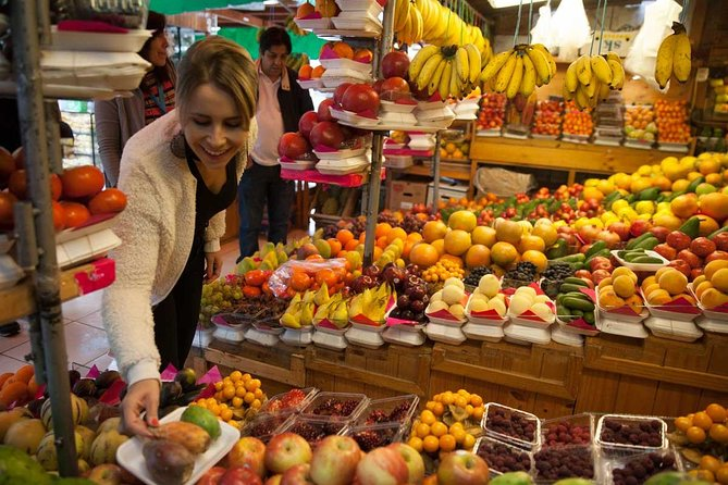 Half Day Gastronomy Tour: Isidro Market + Pisco Sour and Ceviche + Lunch