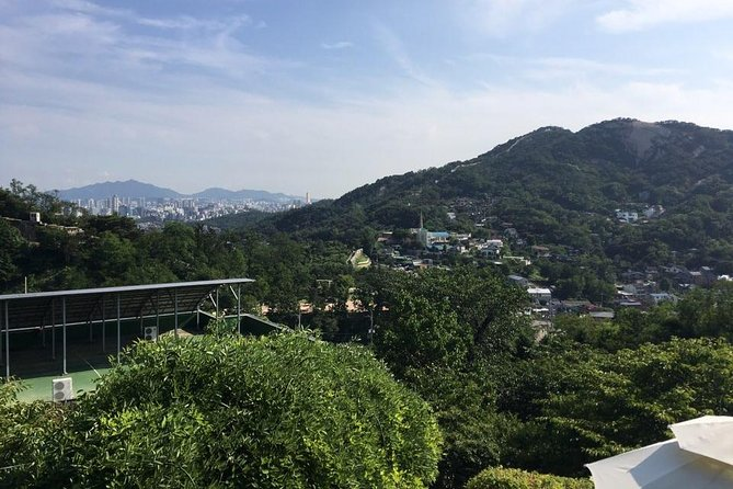 3 Hours Central Seoul Riding Tour with E-Bikes photo 9