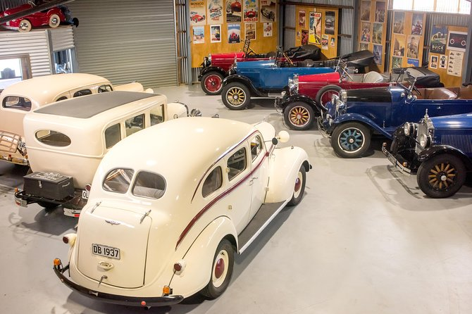 Half-Day Vintage Car Tour with Food Platter Up To 4 Passengers