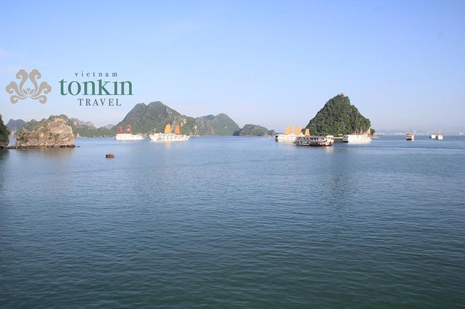 Halong bay Deluxe Cruise 2D/1N: Kayaking, swimming, Titop island & surprise cave