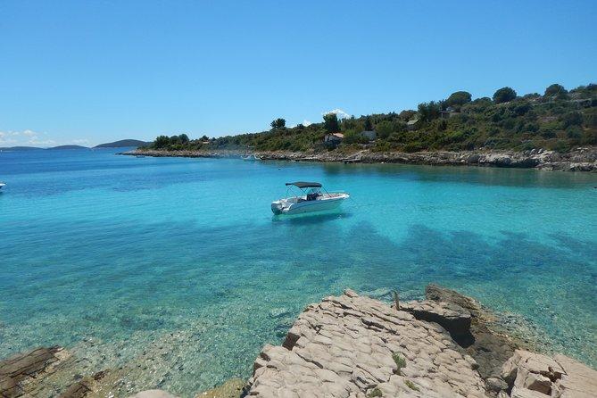 Speedboat Blue Lagoon & 3 Islands tour from Trogir