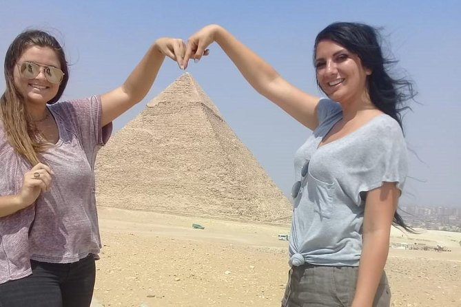 Cairo layover to Giza pyramids and Egyptian museum