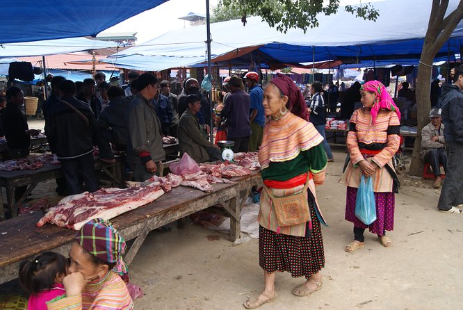 Bac Ha Sunday Market Private Tour Full Day photo 6
