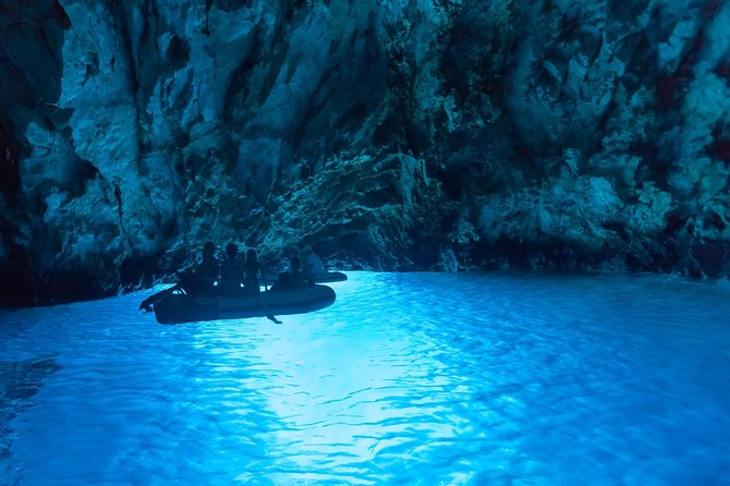 Private speed boat tour to Blue Cave, Stiniva, Blue Lagoon, Hvar, Pakleni Island
