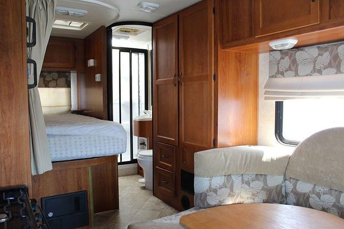Perfect Motorhome! Unlimited Km! (Rent Quality RVs, Motorhomes & Trailers) photo 4