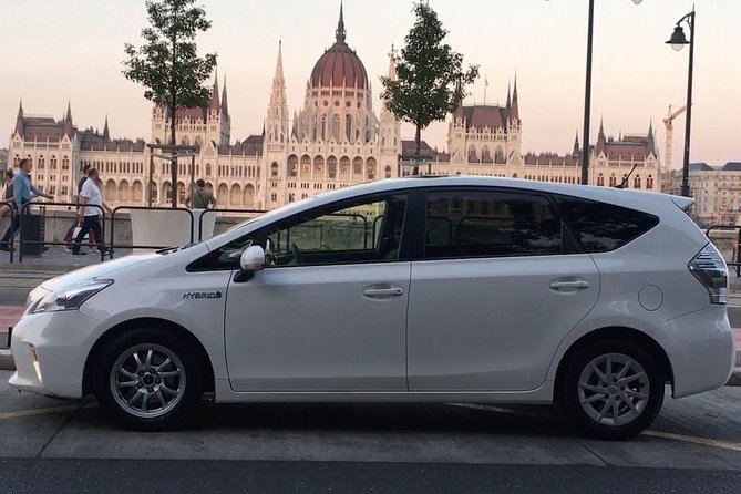 Budapest Airport Private Arrival Transfer - up to 4 people