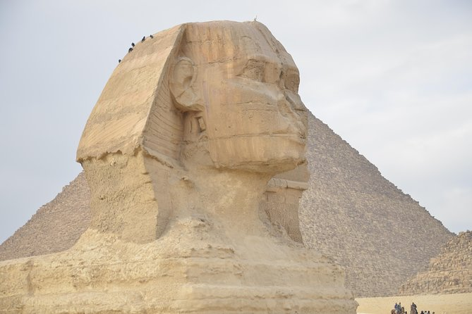 Private Full Day Tours to Pyramids, Sphinx, & Egyptian Antiquities Museum