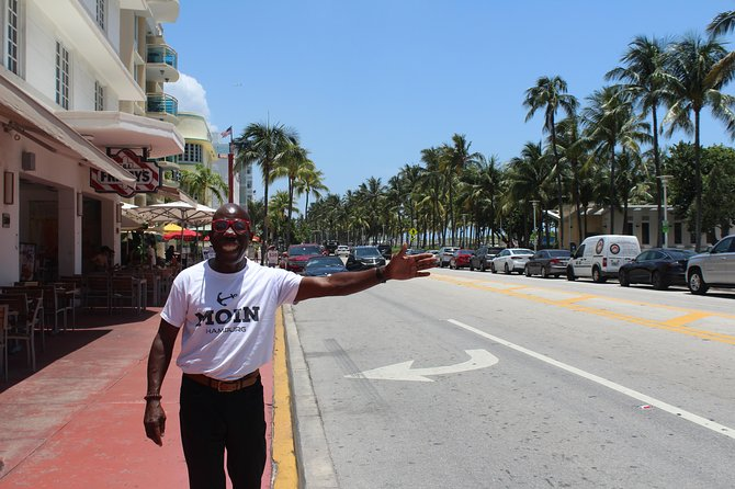 German-speaking South Beach tour with the famous Elvin (Mr. South Beach)