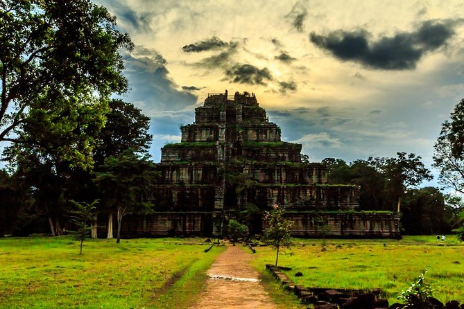 2-Days Private Tour Discovery Angkor Wat, Koh Ker and Beng Mealea Temple photo 9
