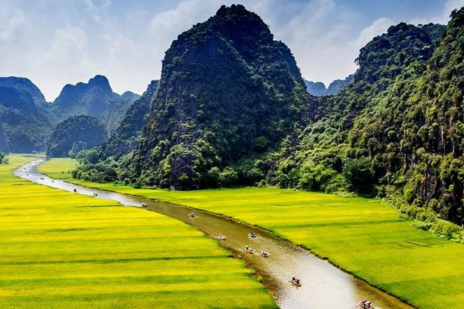 Hoa Lu Tam Coc Full-Day DELUXE Tour Including BUFFET LUNCH & River Boat Ride photo 2
